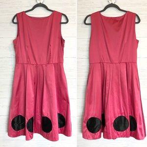 Bright pink retro Oscar De La Renta dress